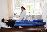 Лімфопрес (програмована зовнішня пневмокомпресія) - ефективний метод лімфодренажу при допомозі стиснутого повітря, яке нагнітається в манжети за допомогою спеціального пристрою, що керується комп'ютером. Процедуру широко використовують для лікування порушень кровообігу і мікроциркуляції крові.